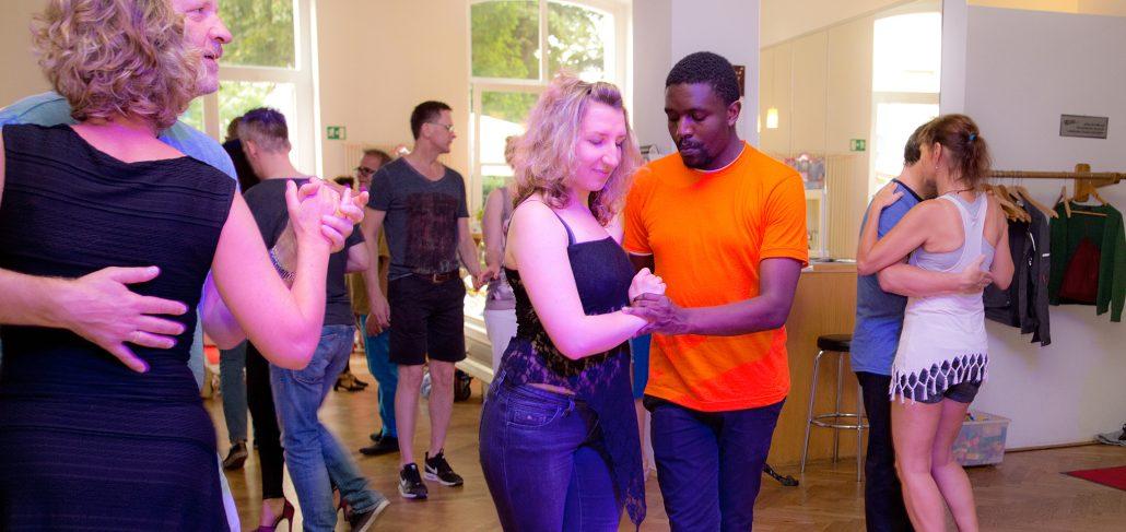 Kizombalou Die Sonntags Kizomba Party In Dortmund Salsa Tanzen